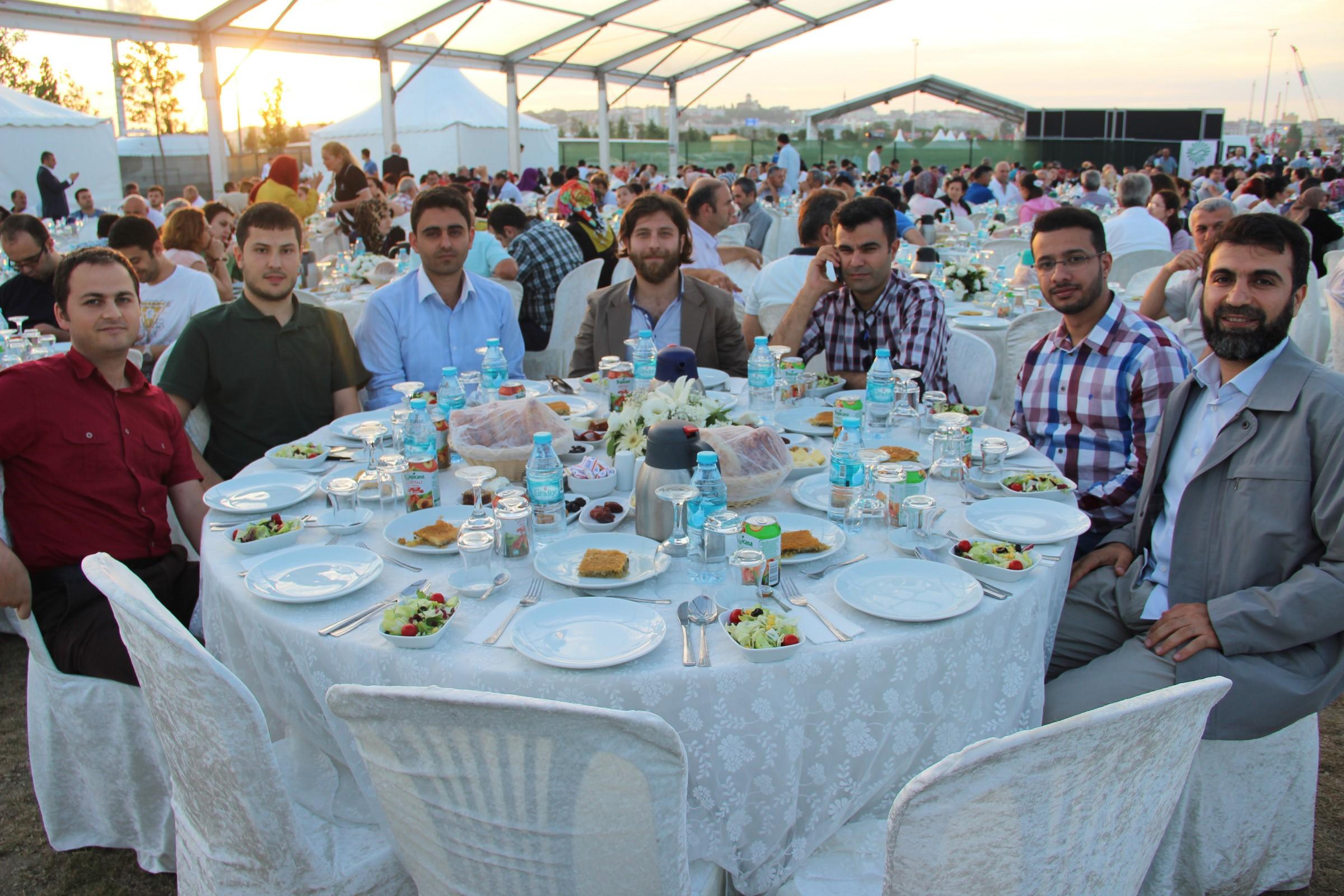 İstaç Ailesi Ramazan İftarında Yenikapıda buluştu.